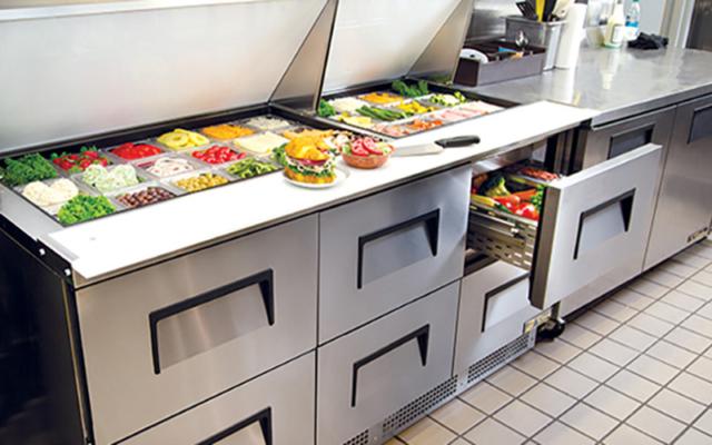 Những lưu ý trong quá trình sử dụng bàn mát salad sandwich